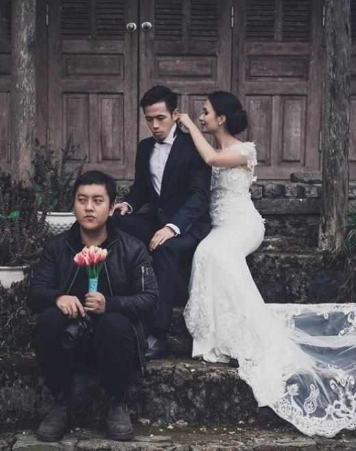 Cô dâu và chú rể tình cảm trong buổi chụp hình.