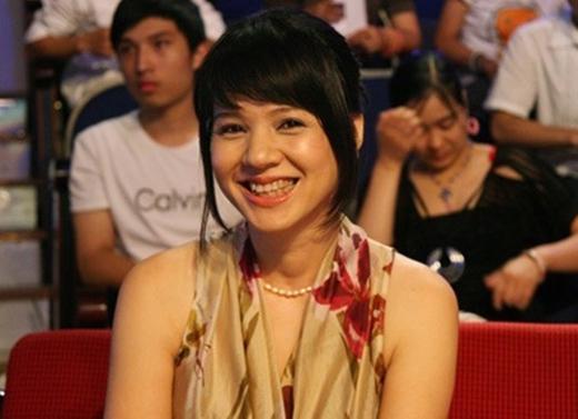 Nụ cười tươi rói là đặc điểm nhận dạng của chị. - Tin sao Viet - Tin tuc sao Viet - Scandal sao Viet - Tin tuc cua Sao - Tin cua Sao