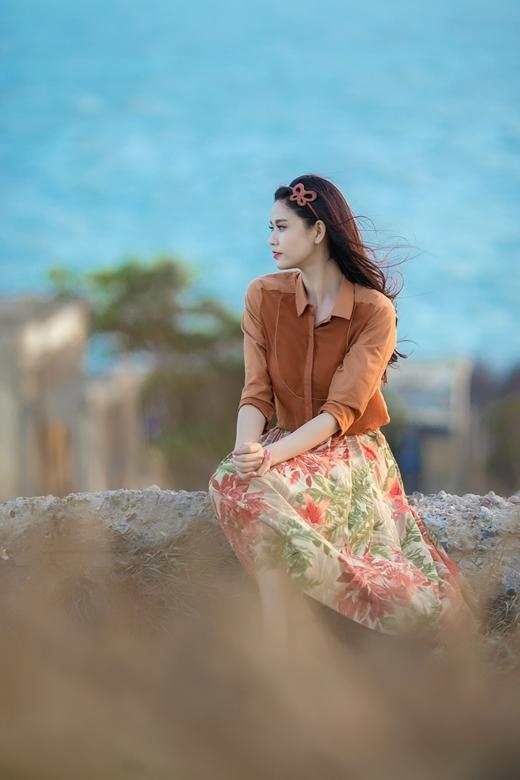 Hình ảnh thoáng u buồn của Trương Quỳnh Anh trong MV. - Tin sao Viet - Tin tuc sao Viet - Scandal sao Viet - Tin tuc cua Sao - Tin cua Sao