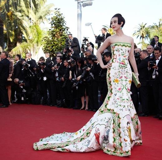 Nữ diễn viên trên thảm đỏ Cannes lần thứ 65.