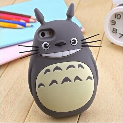 Chiếc ốp Totoro đáng yêu cho các bạn yêu thích phim hoạt hình.
