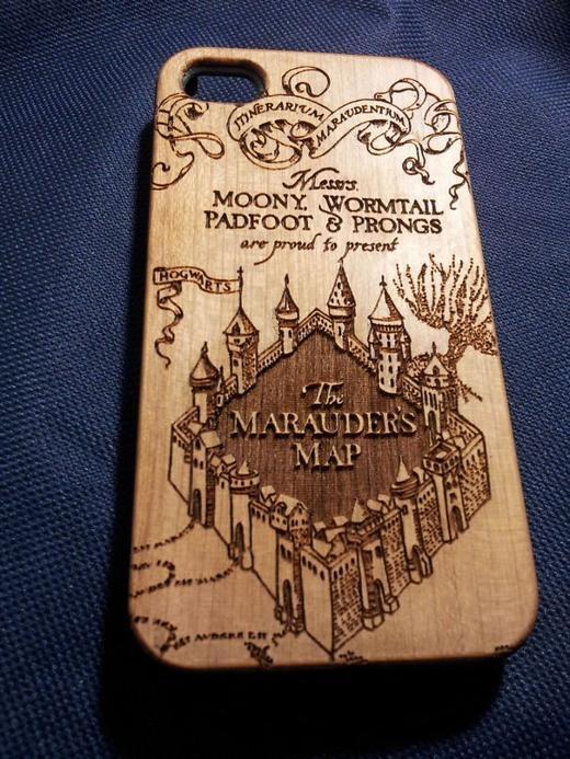 """Bạn là """"tín đồ"""" của bộ truyện Harry Potter? Ốp lưng này sẽ phù hợp với bạn!"""