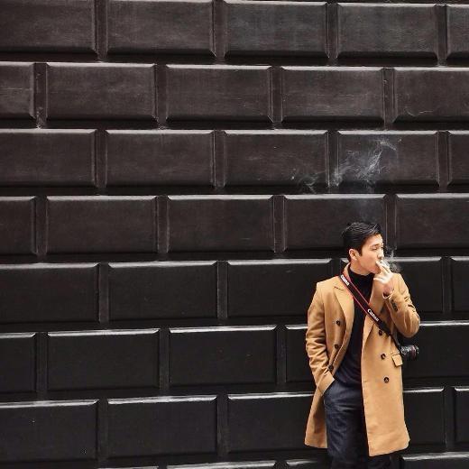 Anh nổi lên cách đây 5,6 năm với vai trò ca sĩ, hot boy đình đám của cộng đồng teen Việt thời đó. Thiên Minh còn là một VJ đình đám một thời khi có những màn phối hợp ăn ý cùng Thuỳ Minh trong vai trò VJ của Chỉ có thể là YAN trên YANTV.