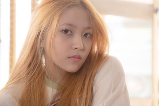 """Tân binh thu hút sự chú ý của cộng đồng fan Kpop gần đây không ai khác chính là Red Velvet. Mỗi thành viên đều sở hữu sức hút riêng bao gồm cả em út Yeri mới vào và tất nhiên cả 5 mẩu đều là """"sản phẩm"""" thành công của nhà SM khiến các fan nữ """"chết đứ đừ""""."""