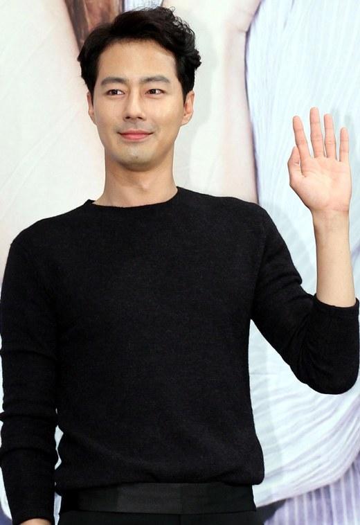 """Loạt mỹ nam Hàn bị nghi đồng tính bỗng dưng """"chuẩn men"""""""