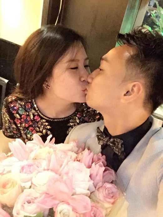 MC Thành Trung tỏ tình ngọt ngào với bạn gái nhân dịp sinh nhật - Tin sao Viet - Tin tuc sao Viet - Scandal sao Viet - Tin tuc cua Sao - Tin cua Sao