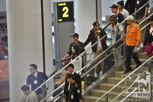 Bora cá tính giữa sân bay Nội Bài