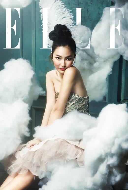 Với vẻ trang nhã và trưởng thành, cô hiện là gương mặt quen thuộc của những tạp chí có tiếng.