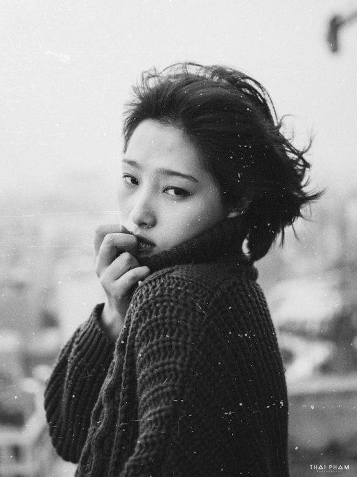 Nzim sinh ngày 31/3/1994. Cô hiện đã chuyển vào sinh sống và làm việc tại TP.Hồ Chí Minh.