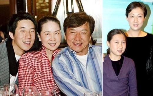 Thành Long và vợ con (trái), bên người tình và con gái riêng (phải)