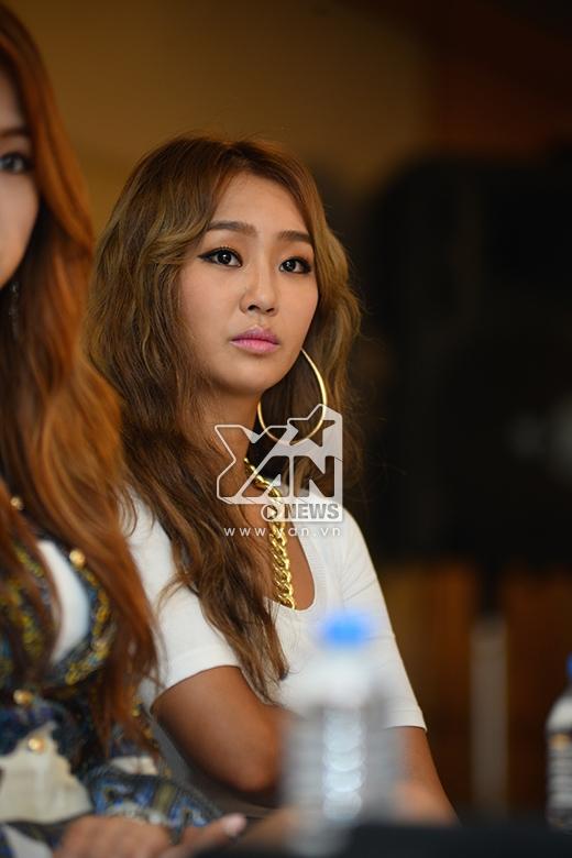 Hyo Rin của Sistar vô cùng quyến rũ.