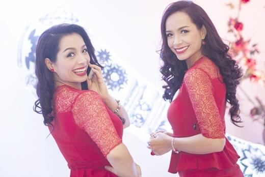 Nhiều người ngưỡng mộ cặp chị em sinh đôi này không chỉ bởi những thành công trong sự nghiệp của họ, mà còn bởi tình cảm thân thiết cũng như cách họ giữ gìn hạnh phúc gia đình riêng. - Tin sao Viet - Tin tuc sao Viet - Scandal sao Viet - Tin tuc cua Sao - Tin cua Sao