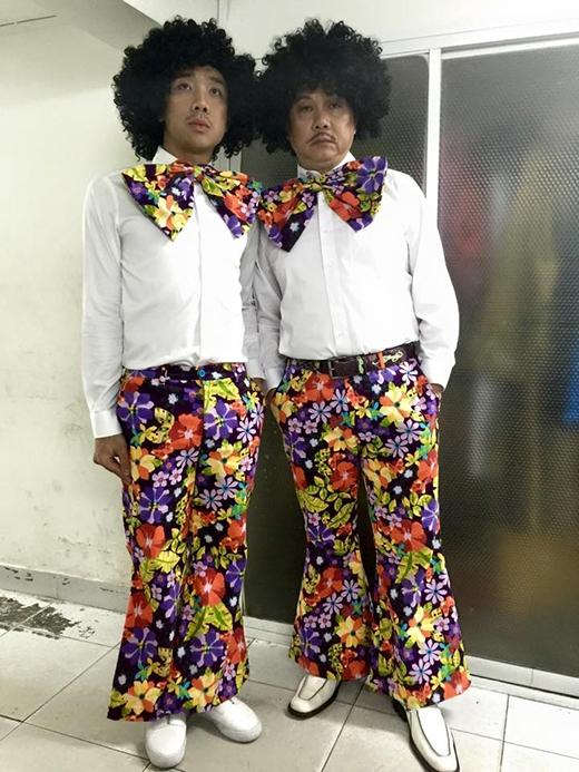 Trấn Thành và Chí Tài tiếp tục khiến khán giả cười sặc nước khi hóa thân thành hình tượng 2 chàng Tây hài hước. Có lẽ đây là một trong những kế hoạch mà Trấn Thành đang ủ mưu thực hiện để dành tặng cho khán giả trong thời gian tới.