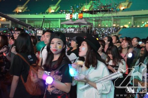 Dàn sao KPop cùng hòa giọng tạm biệt, fan Việt òa khóc nức nở