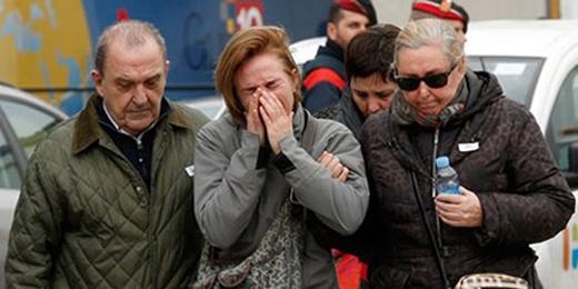 Người thân của các nạn nhân đang đau buồn
