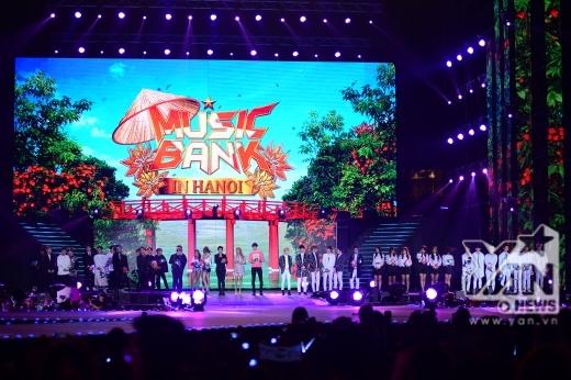 Music Bank in Ha Noi kết thúc trong sự nuối tiếc của nhiều fan vì vẫn muốn ngắm, ngắm nữa, ngắm mãi các idol Hàn Quốc.