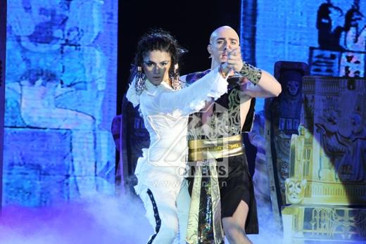 Với Pasodoble, Tango, Hương Giang Idol cùng George đã mang đến sân khấu tiết mục ấn tượng. - Tin sao Viet - Tin tuc sao Viet - Scandal sao Viet - Tin tuc cua Sao - Tin cua Sao
