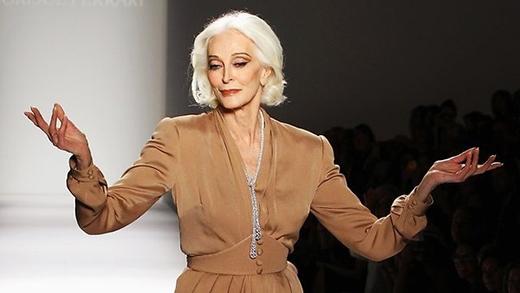 Khi các người mẫu kỳ cựu tự tin chinh phục sàn catwalk