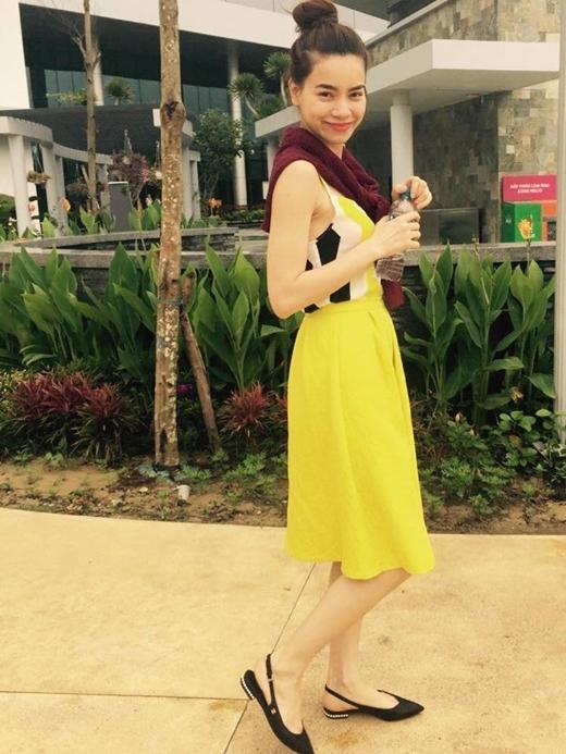 Hà Hồ vàng rực tại một trung tâm vui chơi ở Đà Nẵng. - Tin sao Viet - Tin tuc sao Viet - Scandal sao Viet - Tin tuc cua Sao - Tin cua Sao