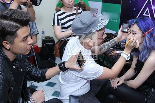 Hồ Ngọc Hà toát mồ hồi vì sợ đến trễ The Remix - Tin sao Viet - Tin tuc sao Viet - Scandal sao Viet - Tin tuc cua Sao - Tin cua Sao