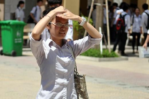 Nắng nóng kéo dài các bạn học sinh, sinh viên cần đề phòng đổ bệnh