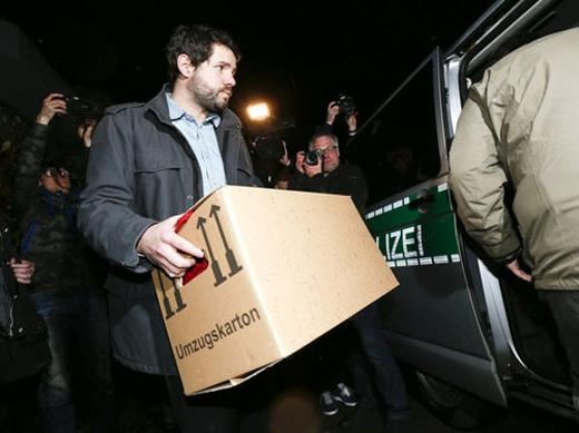 Cảnh sát thu giữ những tài liệu liên quan tớiAndreas Lubitz