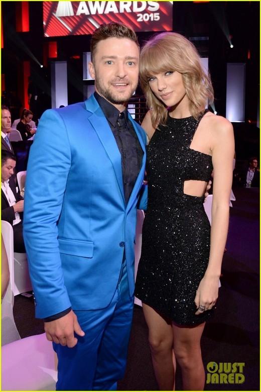 Được biết, Taylor và Justin khá thân với nhau. Cô xuất hiện trong đoạn video ghi hình để chia sẻ cảm nghĩ về Justin trước khi anh thắng giải thưởng đặc biệt tại lễ trao giải thưởngiHeartRadio Music Awards 2015: Tôi là fan hâm mộ lớn của Justin Timberlake. Tôi thuộc tất cả các ca khúc của anh ấy.