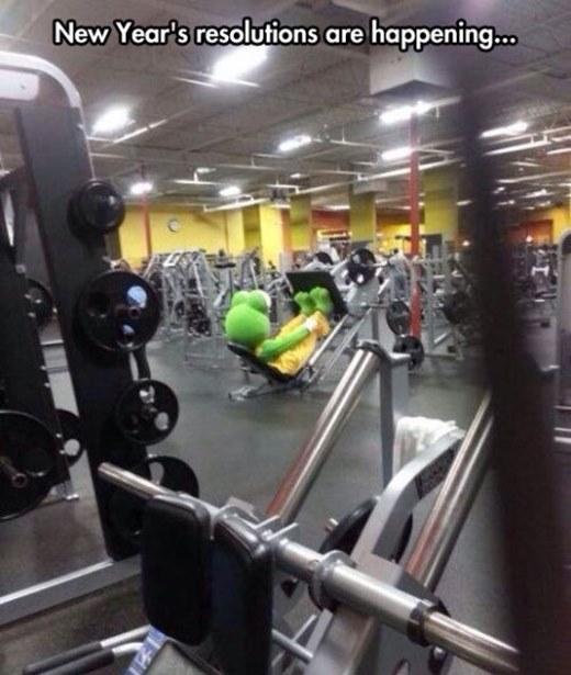 Mặc đồ hơi quái đi tập gym thì có gì là sai?