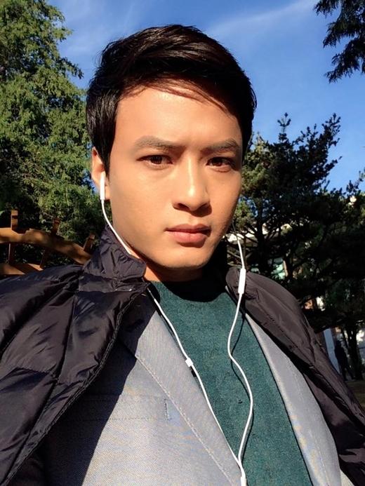 Dù đã hơn 30 tuổi, nhưng Hồng Đăng vẫn thu hút rất nhiều fan trẻ với ngoại hình trẻ trung như hot boy. - Tin sao Viet - Tin tuc sao Viet - Scandal sao Viet - Tin tuc cua Sao - Tin cua Sao