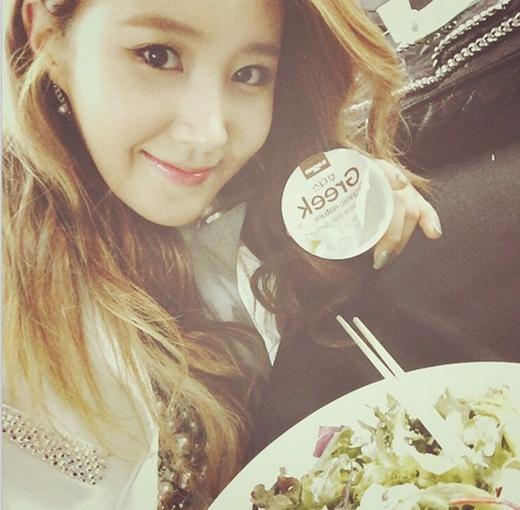 Yuri thích thú với thức ăn bổ dưỡng, chăm sóc sức khỏe trước giờ diễn