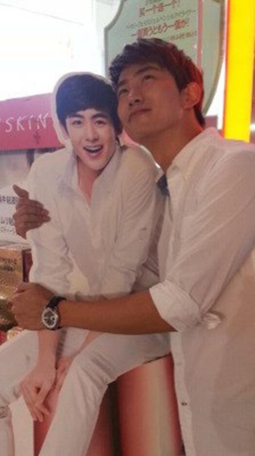 Hai anh emNichkhun và Taecyeon cực đáng yêu khi thể hiện tình cảm với nhau