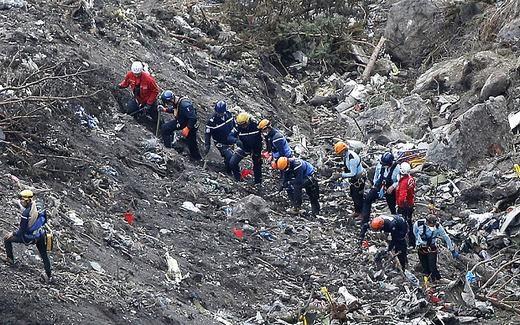 Vụ máy bay rơi ở Pháp: Đã tìm thấy mảnh thi thể của cơ phó 4U9525