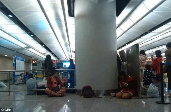 Sau sự cố, nhiều hành khách đã vô cùng hoảng loạn