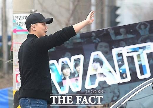 Sungmin phát tướng, Jaejoong căng thẳng lên đường nhập ngũ