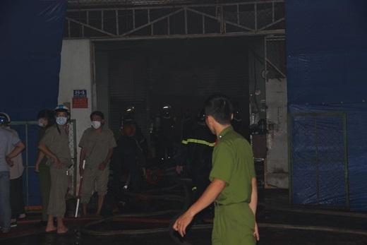 TP. Hồ Chí Minh: Cháy cực lớn làm thiêu rụi hoàn toàn xưởng sản xuất nệm mút