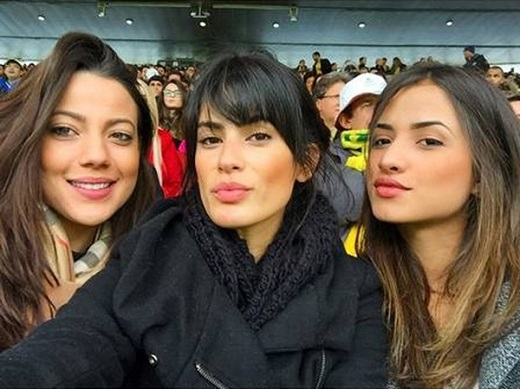 3 cô nàng xem trận Brazil – Chile