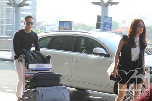 Kim Lý chu đáo chăm sóc Trương Ngọc Ánh tại sân bay - Tin sao Viet - Tin tuc sao Viet - Scandal sao Viet - Tin tuc cua Sao - Tin cua Sao
