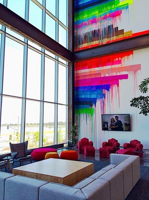 Những hình ảnh nghệ thuật bên trong tòa nhà đã được nhiều người chia sẻ lên Instagram.
