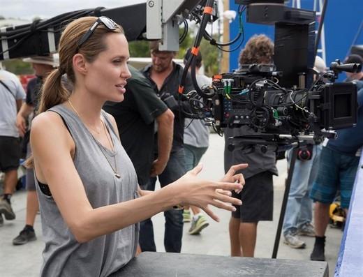 Angelina Jolie khẳng định thích làm đạo diễn hơn diễn xuất