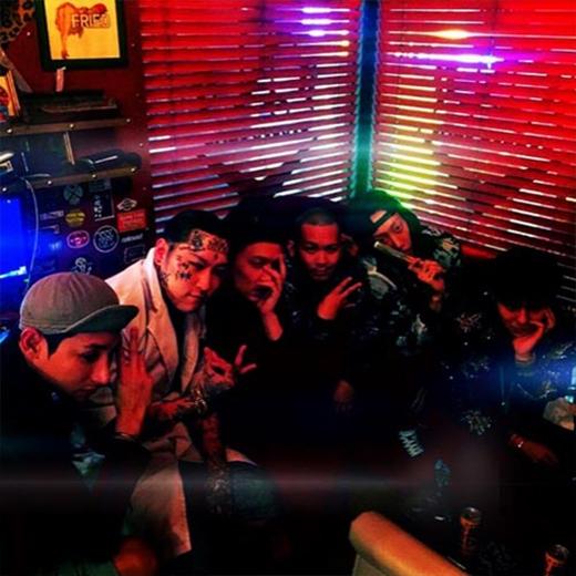 G-Dragon khoe hình tụ tập cùng bạn bè