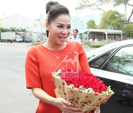 Dù đang vào những tháng cuối của thai kỳ nhưng Thu Minh vẫn khá nhanh nhẹn. Cô luôn tươi cười rạng rỡ và tràn ngập hạnh phúc. - Tin sao Viet - Tin tuc sao Viet - Scandal sao Viet - Tin tuc cua Sao - Tin cua Sao