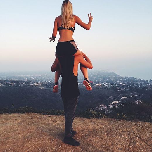 Phát sốt vì cuộc sống đáng ganh tỵ của cặp đôi hạnh phúc nhất thế giới