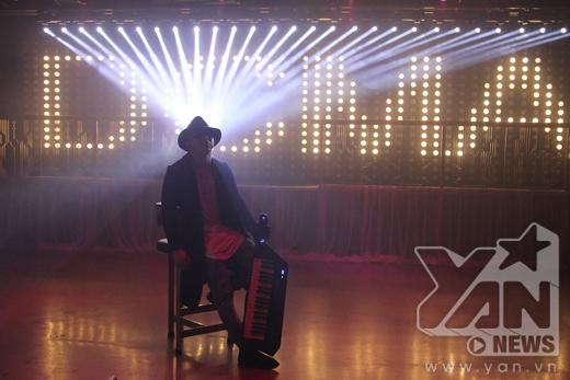 DJ Hoàng Touliver xuất hiện bí ẩn trong MV lần này. - Tin sao Viet - Tin tuc sao Viet - Scandal sao Viet - Tin tuc cua Sao - Tin cua Sao