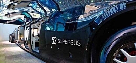 Bạn có thể thử phương tiện giao thông công cộng như chiếc xe buýt này khi đi du lịch đến Dubai.