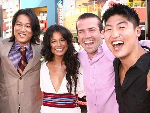 Phần 3 mang tên The Fast and The Furious: Tokyo Drift năm 2006 lấy bối cảnh ở Nhật, thực chất là những sự kiện diễn ra giữa phần sáu và phần bảy mãi sau này. Dàn diễn viên trong phần này gồm có Sung Kang, Nathalie Kelley, Lucas Black, Brian Tee.
