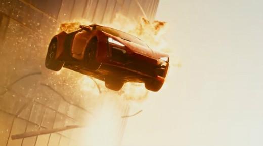 Những màn xe bay giữa 2 tòa nhà chọc trời hay nhảy dù từ độ cao 1000m sẽ trở nên hấp dẫn hơn với màn hình rộng IMAX 3D.