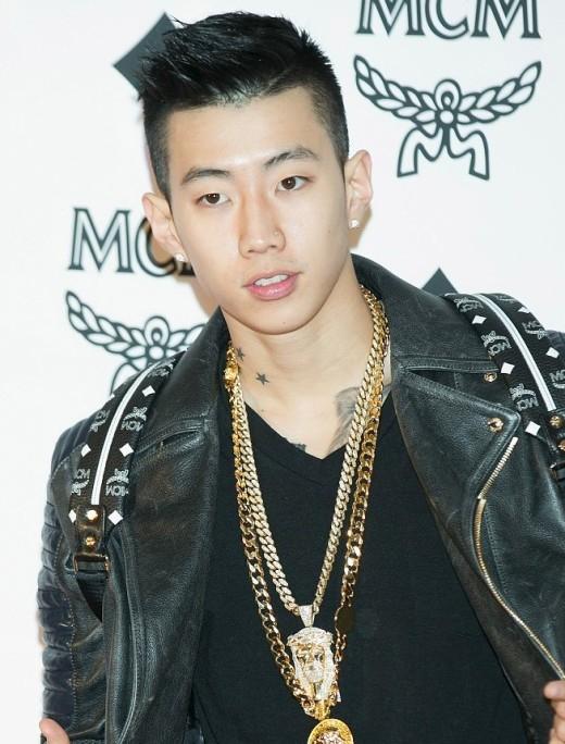"""Ngưỡng mộ những mỹ nam Kpop thừa sức """"đổi nghề"""""""