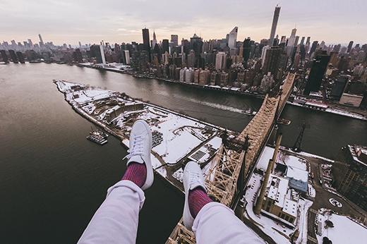 Một địa điểm cũng nổi tiếng không kém ở New York là cây cầu Queensboro ở Manhattan. Cầu Queensboro là một trong những địa điểm tổ chức cuộc thi chạy marathon New York được tổ chức bởi hiệp hội NYRR (New York Road Runners), trải dài qua 5 khu vực: Staten Island, Brooklyn, Queens, The Bronx và Manhattan.