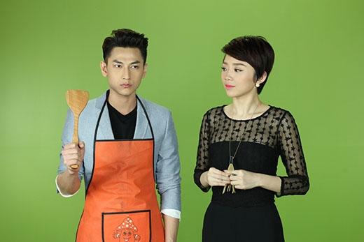 Tự tay trổ tài đầu bếp để đón tiếp cô bạn dẫn xinh đẹp Tóc Tiên.