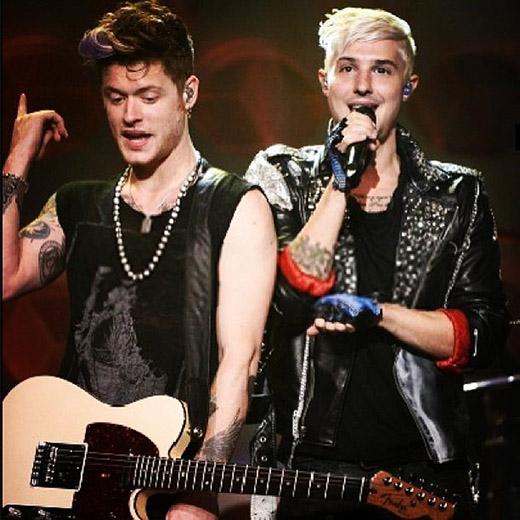 Em trai Nash cũng là một thành viên đầy tài năng trong một nhóm nhạc